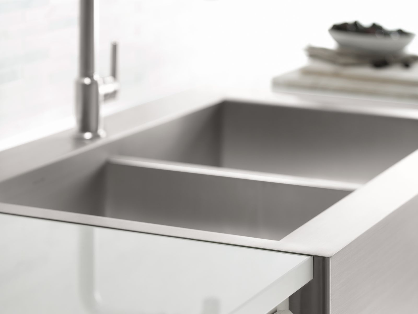 Stainless Steel Farmhouse Sink With Faucet Holes